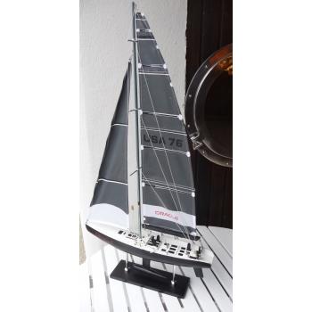 https://www.marie-galante-benodet.com/1109-thickbox_default/maquette-de-voilier-coupe-america-oracle.jpg