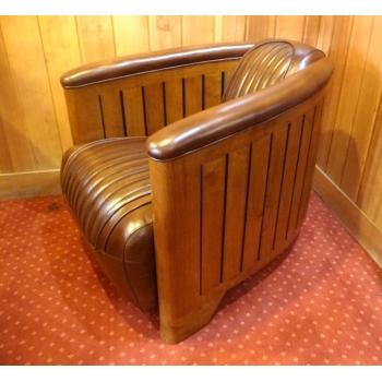 https://www.marie-galante-benodet.com/1301-thickbox_default/fauteuil-club-canoe-cuir-vintage.jpg