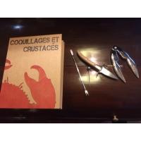 curettes et pinces à crustacés en coffret