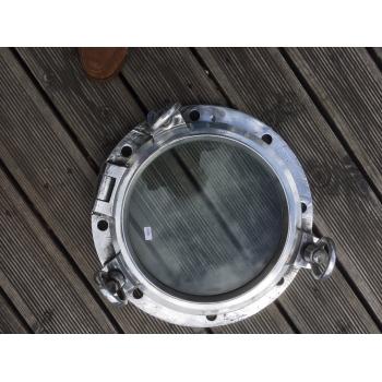 https://www.marie-galante-benodet.com/2200-thickbox_default/hublot-de-cargo-aluminium-ouvrant-50cm.jpg