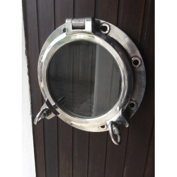 https://www.marie-galante-benodet.com/2437-thickbox_default/hublot-de-cargo-aluminium-ouvrant-diametre-38-cm.jpg
