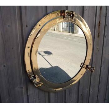 https://www.marie-galante-benodet.com/2477-thickbox_default/grand-miroir-hublot-laiton-ouvrant-51-cm-decoration-marine.jpg