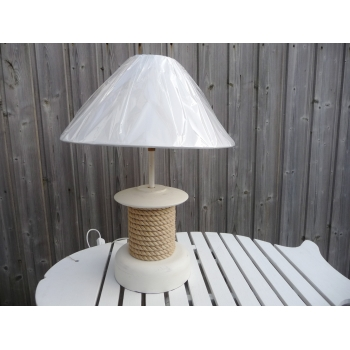 https://www.marie-galante-benodet.com/331-thickbox_default/lampe-marine-winch-ceruse-blanc.jpg