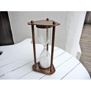 https://www.marie-galante-benodet.com/76-thickbox_default/sablier-laiton-antique-18-cm.jpg