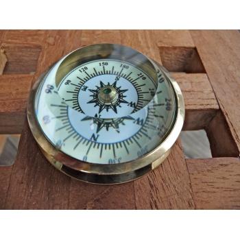 https://www.marie-galante-benodet.com/764-thickbox_default/compas-oeil-en-laiton.jpg