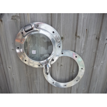 https://www.marie-galante-benodet.com/955-thickbox_default/-hublot-encastrable-ouvrant-25cm-aluminium-.jpg